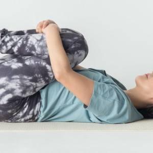 便秘、下痢、ガス、内臓の冷え…など腸による不快症状をまとめて緩和!6つのヨガポーズ