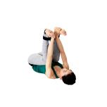 足首にストラップをかけるのもおすすめ。内太腿を内側へ閉じようとする意識が増す。