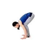 ジャンプをしやすいように手足の位置を微調整する。