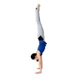 ジャンプ時、倒立などよけいな動作を入れる。