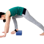 腹筋を使えないとブロックを蹴ったり、よけるように脚を回してしまう。