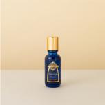 浄化作用のあるセージ配合のスキンケアオイルは、朝のヨガに最適。女性力を高めてくれます