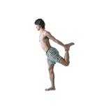 左足を蹴るようにしながら上半身を前へ倒す。