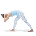 肘を前に押しながら体を起こし、背中と床が平行になる位置まで上げてくる(多裂筋が求心性収縮)。この間、背骨を伸ばし続けることで多裂筋が刺激される。