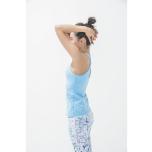 肘を閉じて、ぐっと前に押し出すのが正しい姿勢。