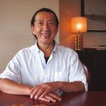 インターナショナルヨガセンター(IYC)&アシュタンガヨガジャパン主宰。ケン先生が監修した「VR瞑想ヨガインストラクター養成講座」もスタート。