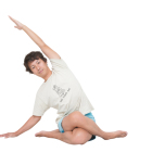 左腕を頭上に上げる。背骨を伸ばし、左尻を床につけたまま、できるところまで上半身を右へ倒す。心の中でフキダシ内の言葉を唱えながら10呼吸。反対側も。