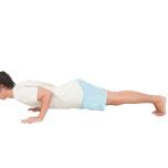 [体に働きかけ心を整えるヨガキネシセラピー]チャトランガダンダーサナで大胸筋胸肋部を縮める