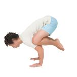 [体に働きかけ心を整えるヨガキネシセラピー]カカーサナで三角筋を縮める
