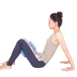 お尻を上げて中臀筋を鍛え、前面が伸びる姿勢づくり
