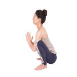 合掌して肘を押す動きで、脇の下に力が入るところが前鋸筋。位置を確認し、筋肉が働く感覚を身に付けます。横から見たとき