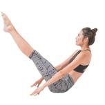 きれいなV字をキープして鼠蹊部を引き込む力を養う(両手を前方へ移動し強度アップ。腸腰筋の力でV字をキープ。)