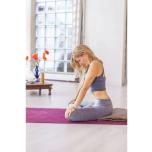 これらのポーズを練習したら、シャヴァーサナの姿勢で少なくとも5分間休む。体の中のエネルギーの流れや質を観察しよう。