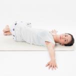 寝たままでも体幹は鍛えられる!お腹を凹ますポーズ4選