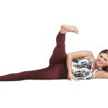 腸脛靭帯の硬さを感じる場合 アナンターサナ(横向きの脚上げのバリエーション)