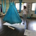 反重力で全身シェイプ!ハワイで話題のハンモックヨガクラス体験レポート