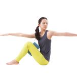 立位ポーズが安定|内転筋を意識して「ヴルクシャーサナ」を習得しよう