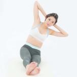 背中の痛みを予防|ねじりも深まる「脇腹体操」