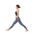 床を踏み、背骨を伸ばし、呼吸を解放!ポーズを安定させ、肯定力を高める3つの基本②