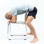 最近、足がつりやすい?骨盤ゆがみを整えるヨガポーズで足疲れを予防