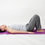 ビジネスエリートが教える月末リセットヨガ|腰まわりの疲れを改善するヨガポーズ