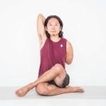 内転筋を鍛えて大臀筋をゆるめる方法|手を使わずに両脚を絡められる?