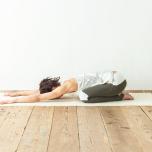 股関節にじんわり効く「お休みのヨガポーズ」の基本|効果を感じるには?