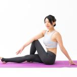 便秘・むくみ…PMS症状を和らげる方法|ヨガと植物療法で「女性悩み」をケア♡