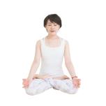 若々しい50歳へ…ヨガ講師が実践する生活習慣とは