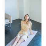 春はニュアンスカラーが気分!emmi yogaに学ぶ大人カラーコーデ