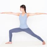 太腿・ふくらはぎを刺激して血流促進!柔らかくなれる「股関節体操」とは