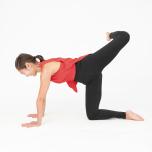 眠気スッキリ!肩甲骨・股関節を動かして血流を高める方法