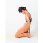 ラクダのポーズが上達!「股関節を曲げる筋肉」を鍛えるメソッド
