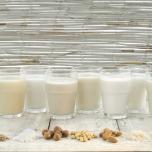 アーモンドミルク ソイミルク オーツミルク