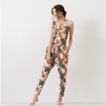 パッと目を惹くキュートな柄♡夏のヨガファッションを満喫する新作ウェア