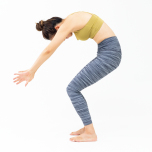 「Odaka Yoga®」に学ぶ しなやかな背骨