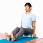 背骨の正しいアライメント背骨の伸ばし方&整え方がわかる壁ヨガ