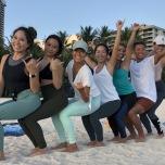 ハワイでヨガ×環境保全|美しい海を守るビーチクリーン体験レポート