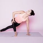 股関節まわりを鍛えて体幹強化!エネルギーを高めるヨガフロー