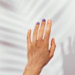 PC作業やスマホ操作でコリやすい部分。手のコリをほぐすアクロヨガ的ストレッチ