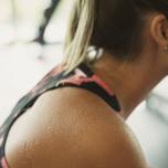 寝ている間も燃焼しやすい体に!基礎代謝を上げる肩甲骨ほぐしポーズ