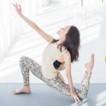 emmi yogaから届いた春ニュース 大人モードで魅せるリラクシングなヨガコーデ