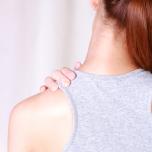 ひどい肩こりに効く簡単筋膜リリース|テニスボールで肩が軽くなる!