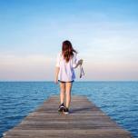 じっと座って瞑想するのが苦手なら「歩く瞑想」はいかが?