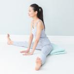 開脚前屈で腰が痛い…腰椎に負担をかけない体の倒し方は?