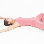 寝る前30秒|股関節を開いてリラックス&副交感神経を高めるヨガポーズ