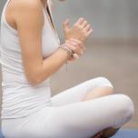ヨガ中の痛めやすさ2位…「手首」を守る3つの秘訣|理学療法士が解説