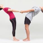 肩こり解消!股関節&肩をほぐす2つのメソッド|2人で行うパートナーヨガ
