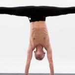 人気ヨガ講師が実践する上級ポーズ練習法 3つの逆転ポーズを攻略しよう