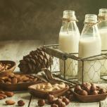 乳製品 アレルギー 対応 アーモンドミルク